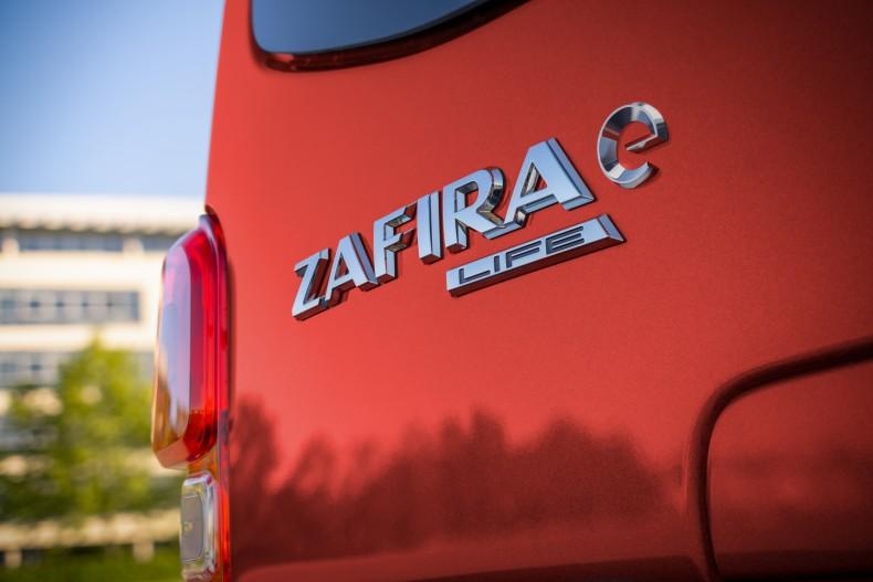 05-Opel-Zafira-e-512195