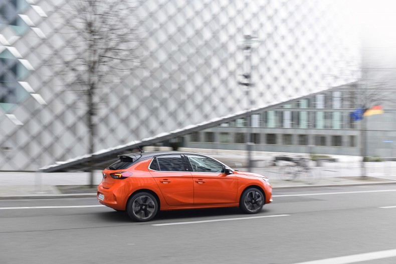 06-Opel-Corsa-e-511091