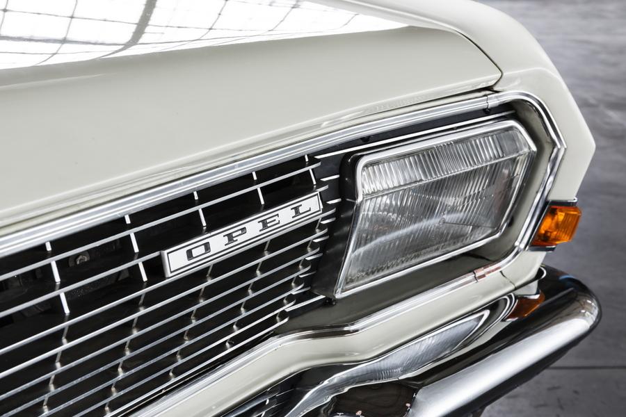 10_Opel_Admiral_290036