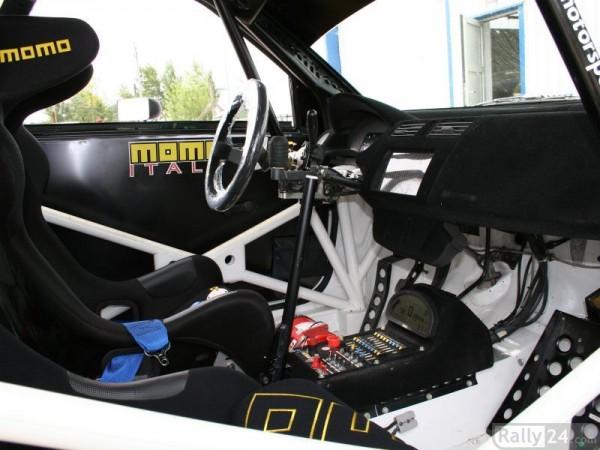 Wnętrze Suzuki Swift S1600