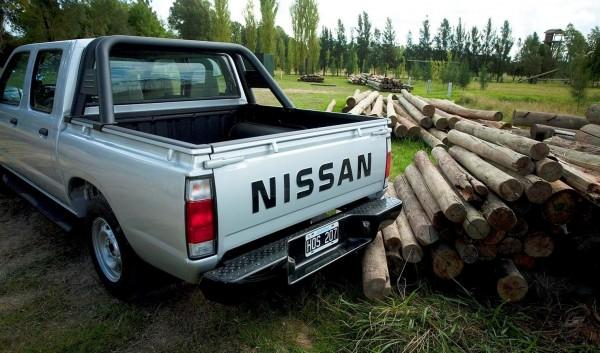 Nissan NP300 pickup