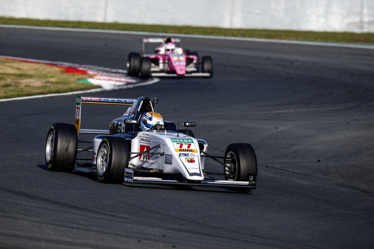 Brytyjczyk Jonny Edgar wygrywa FIA ADAC F4 Championship powered by Abarth.