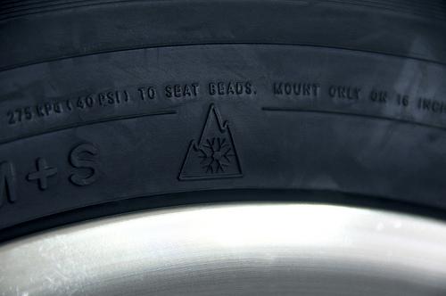 Oznaczenie zimowej opony (Fot.Flickr_OregonDOT Lic. CC)