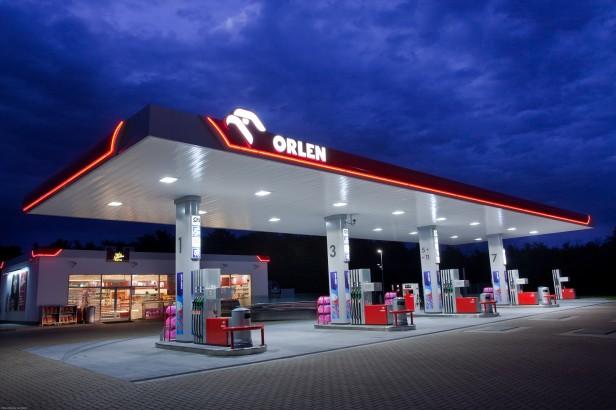Stacja paliw, stacja benzynowa, dystrybutor (fot. Orlen)