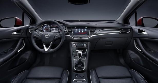 Nowy Opel Astra 2015