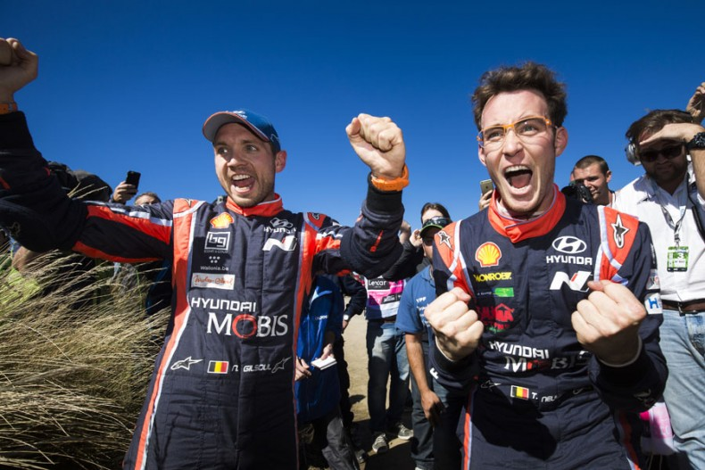 2017 FIA World Rally Championship Round 05, Rally Argentina 24-30 April 2017 Atmosphere Portrait Day 3 Thierry Neuville, Nicolas Gilsoul Photographer: Helena El Mokni Worldwide copyright: Hyundai Motorsport GmbH