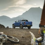 2018_FORD_RANGER_RAPTOR_WILDTRAK_Shot10_34RearTotalDomination_05b