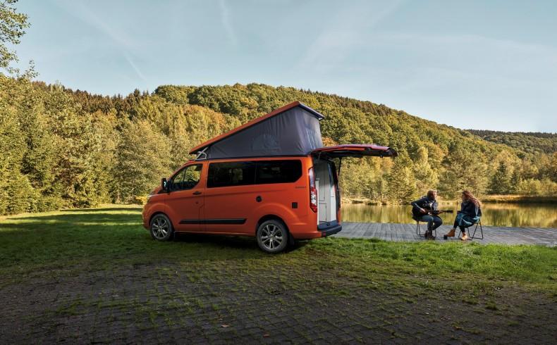Transit Custom Nugget już jest w sprzedaży, m.in. w Polsce. Przyszły rok może uzupełnić oferte o większy pojazd.