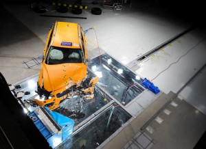 沃尔沃全新V60碰撞测试