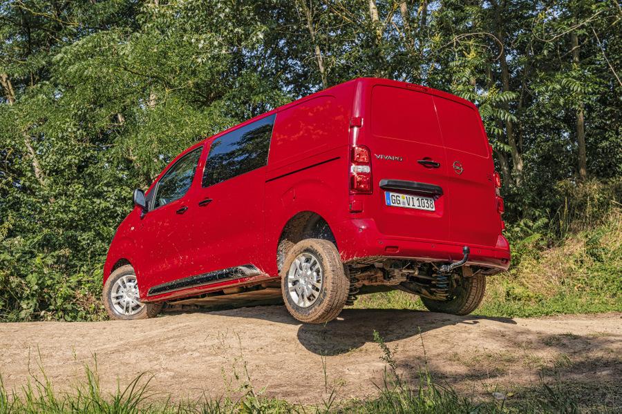 25-Opel-Vivaro-4x4-507498