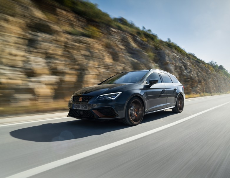 3329-Leon-CUPRA-R-ST-brings-new-levels-of-uniqueness-sophistication-and-performance_05_HQ