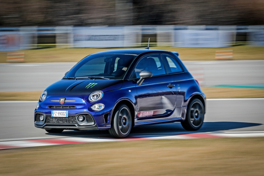 Abarth 595 Monster Energy Yamaha (14)