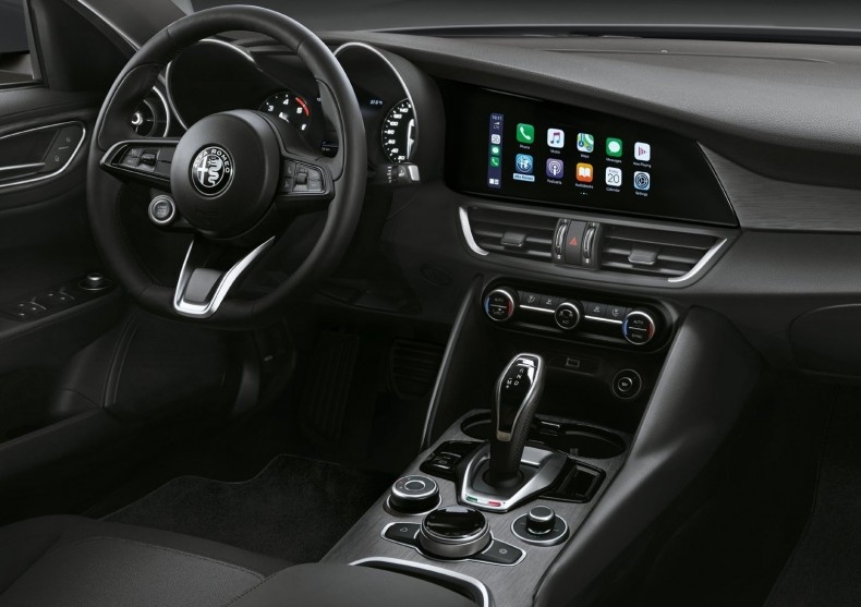 Alfa_Romeo-Giulia-2020-1600-0b