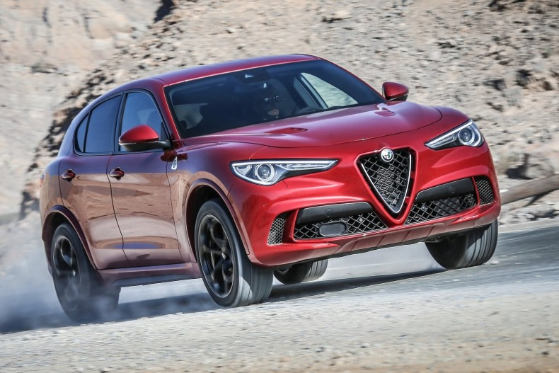 Alfa_Romeo-Stelvio_Quadrifoglio-2018-1600-02