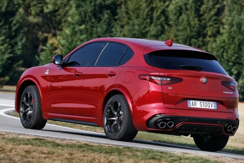 Alfa_Romeo-Stelvio_Quadrifoglio-2018-1600-33