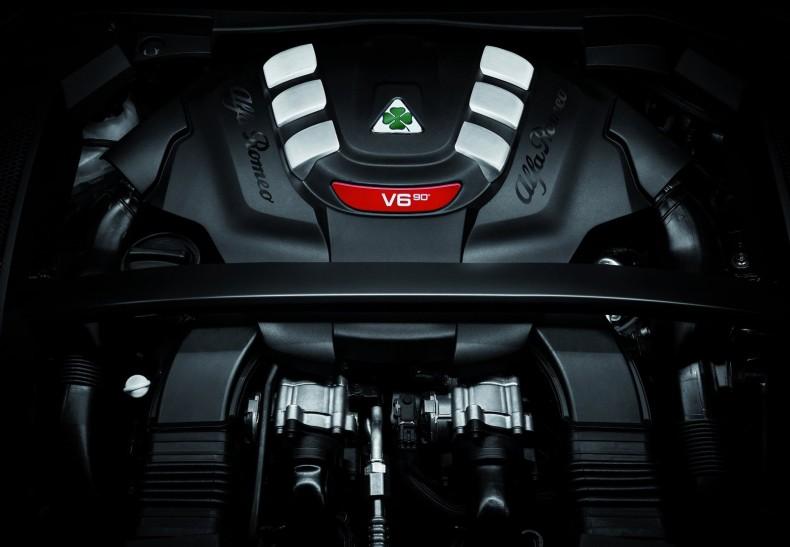 Alfa_Romeo-Stelvio_Quadrifoglio-2018-1600-52