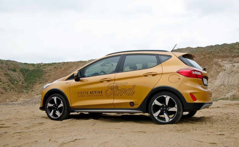 Crossover? Prawie. Ford Fiesta Active to mieszanka auta osobowego i crossovera, ale można ją tak nazwać.