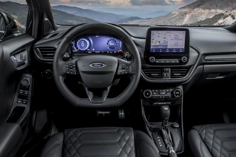 Basierend auf der sportlichen Puma ST-Line X-Variante überzeugt die nun außerdem neu hinzugekommene Ausstattungsversion ST-Line Vignale mit zusätzlichen Premium-Details. Hierzu zählen zum Beispiel Sitze mit Premium-Lederpolsterung, ein Armaturenträger in Leder-Optik, individuell und variabel beheizbare Vordersitze, das B&O-Premium-Soundsystem mit zehn Lautsprechern und einer Ausgangsleistung von 575 Watt sowie das Ford Key Free-System für schlüsselloses Ent- und Verriegeln des Fahrzeugs. Foto: Ford