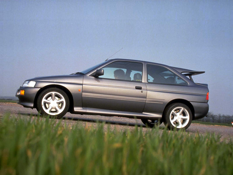 Ford Escort RS Cosworth (10)