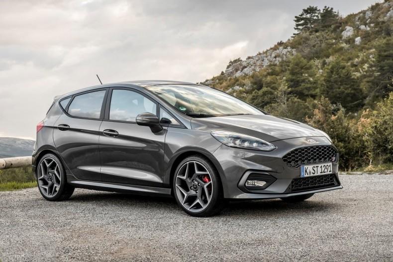 Ford-Fiesta_ST-2018-1600-02