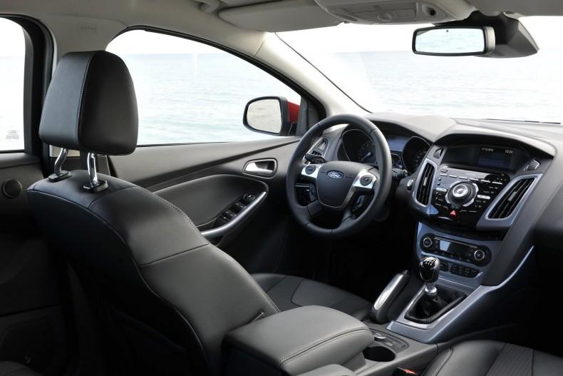 Ford-Focus-2011-1600-28