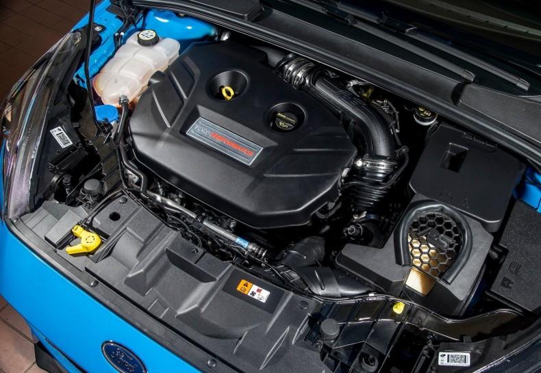 2.3 EcoBoost Focusa RS imponuje systemem doładowania. Jednostka nie ma - dosłownie - turbodziury.