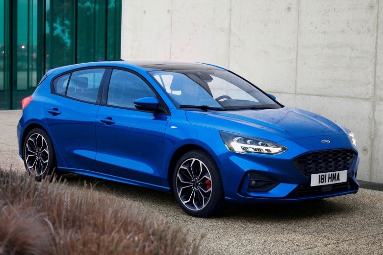 Ford-Focus_ST-Line-2019-1600-04