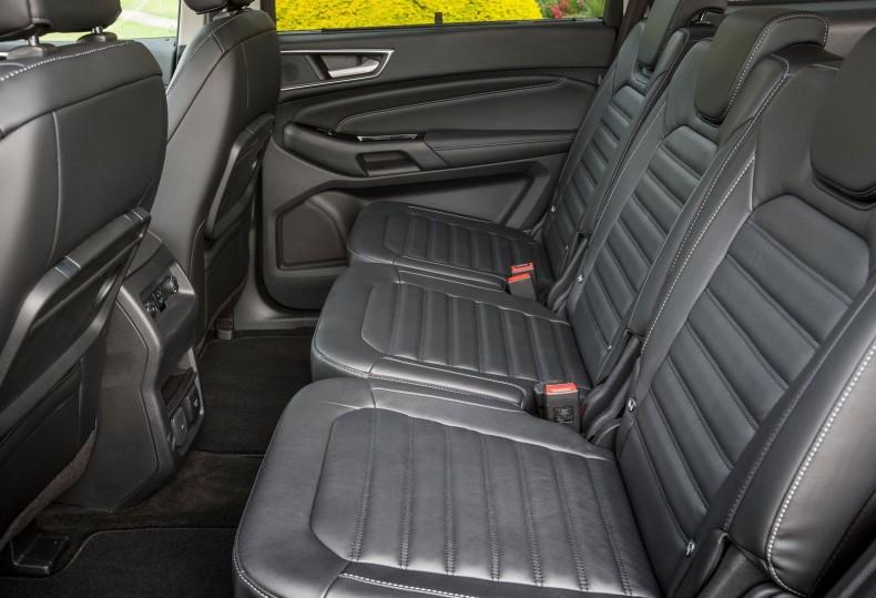 Każdy z trzech niezależnych foteli Forda S-Max i Galaxy ma własne mocowania ISOFIX
