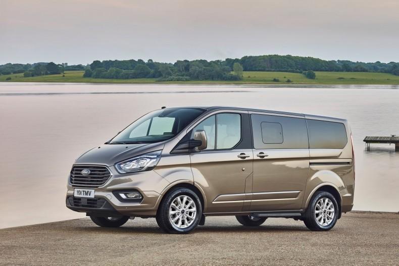 Ford-Tourneo_Custom-2018-1600-01