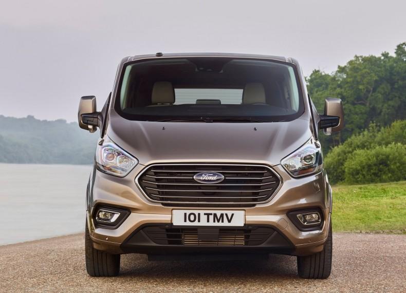 Ford-Tourneo_Custom-2018-1600-07