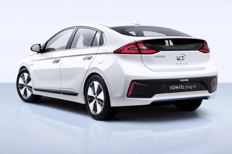 Hyundai-Ioniq-2017-1600-0d