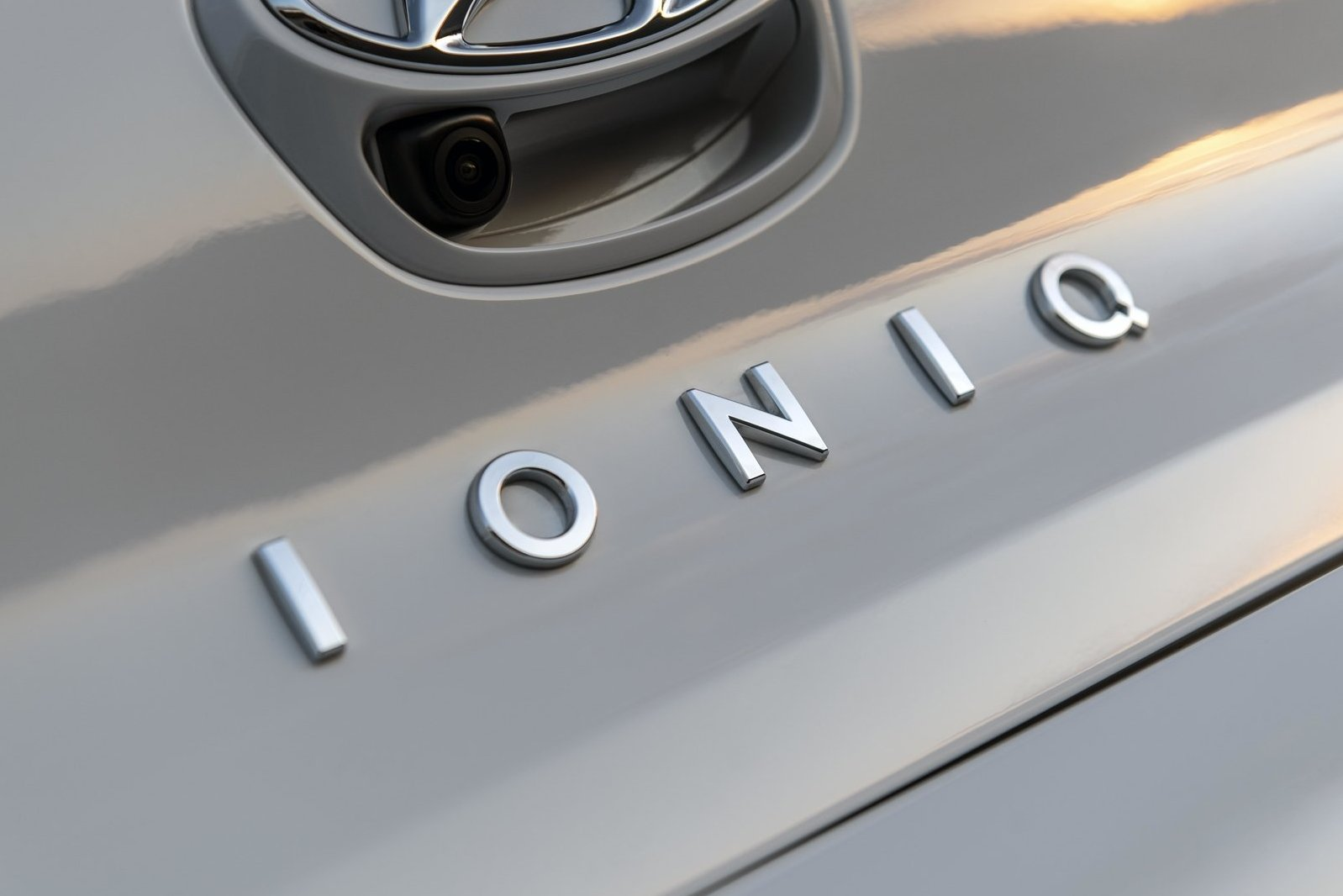 Hyundai-Ioniq_Electric_US-Version-2020-1600-38