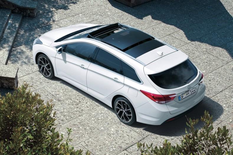 Hyundai-i40_Wagon-2019-1600-02