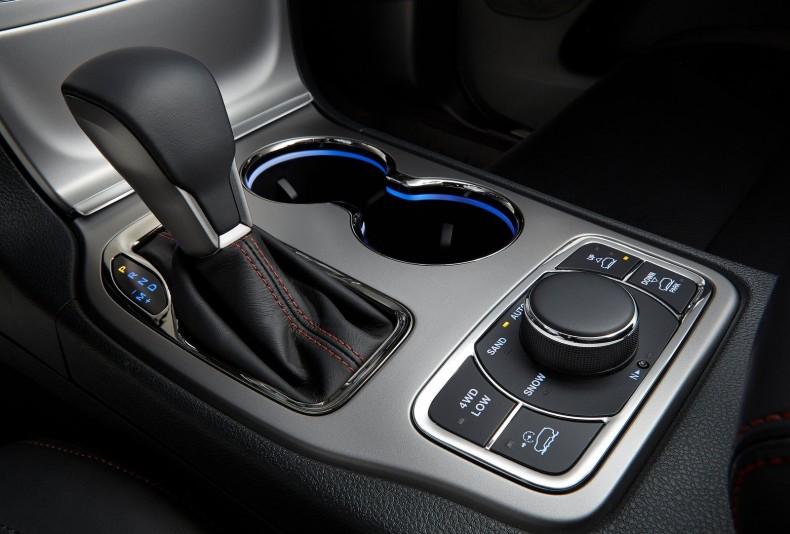 W Jeepie Grand Cherokee sama konstrukcja układu napędowego to jedno, ale jest jeszcze cały system zarządzania nim.