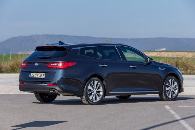 Kia Optima Sportwagon 1