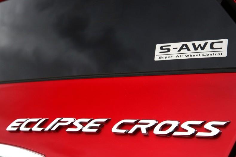 Mitsubishi-Eclipse_Cross-2018-1600-4e