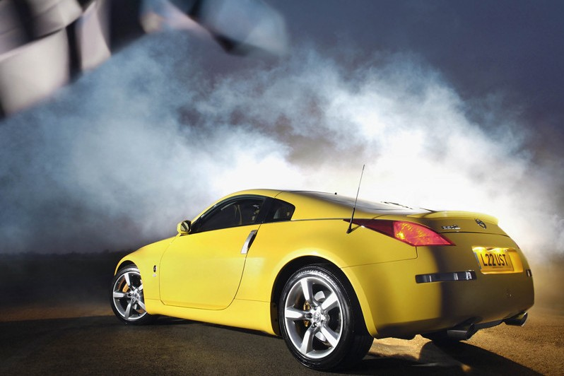 Nissan-350Z_35th_Anniversary_2005_800x600_wallpaper_03