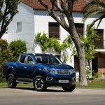 Nissan Navara Double Cab Blue - Front-source