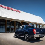 Nissan Navara Double Cab Blue - Rear-source