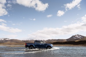 Nissan Navara Double Cab_Blue_Iceland_Dynamic Offroad 13-1200x800