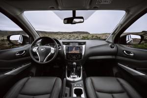 Nissan Navara Double Cab_Blue_Iceland_Interior 1-1200x800