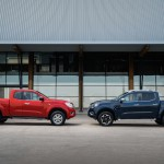 Nissan Navara - King Cab Red and Double Cab Blue 2-source