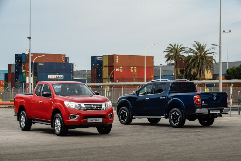 Nissan Navara - King Cab Red and Double Cab Blue-source