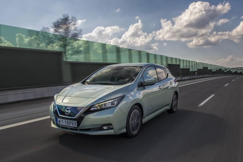 Nissan_Leaf_DSC3526s-source