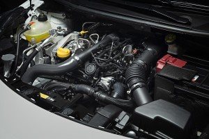 Nowe silniki w Nissanie Micra - biala Micra N-Sport - Engine-1200x800