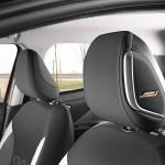Nowe silniki w Nissanie Micra - czerwona Micra Xtronic - Interior Details - Bose Speakers-source