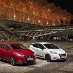 Nowe silniki w Nissanie Micra - czerwona Micra Xtronic i biala Micra N-Sport - Pack shot 2-source
