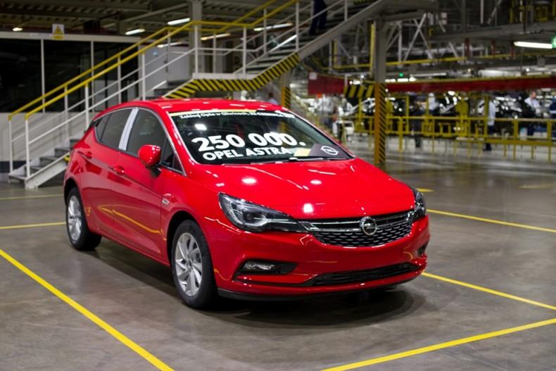 Opel-Astra-Gliwicach-306601