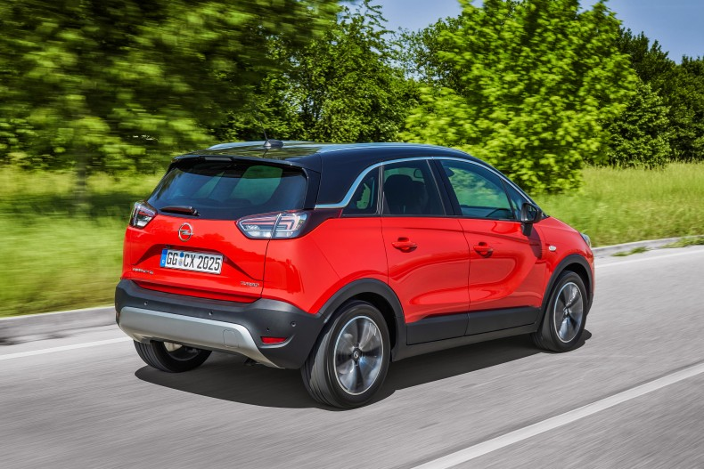 """Best in Class Car 2017"": The Opel Crossland X was named the best performer in its category by Euro NCAP."