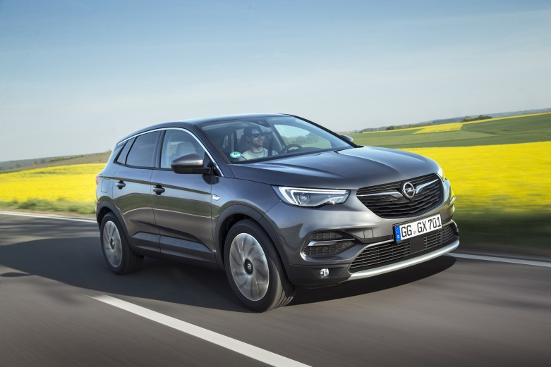 Compact, clean: The new 1.5-litre diesel engine of the Opel Grandland X is designed to meet strict future emissions requirements.